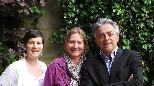 Derrière cette nouvelle famille, c'est toujours la même équipe de décrypteurs que vous retrouverez, avec à sa tête, Vincent Baculard, directeur de publication, Françoise de Blomac, rédactrice en chef et Nathalie Belmont, responsable marketing.
